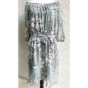 • NWT Maurices Grey/White Floral Ruffle Dress •